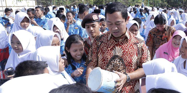 Wali Kota Semarang, Hendrar Prihadi, mengatakan saat ini Pemkot Semarang sedang menyusun rencana strategis berupa proyek Semarang Cooling Plan.