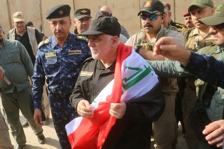 PM Irak Haider al-Abadi mengunjungi kota Mosul yang direbut kembali pasukan pemerintah pada Minggu (9/7/2017).