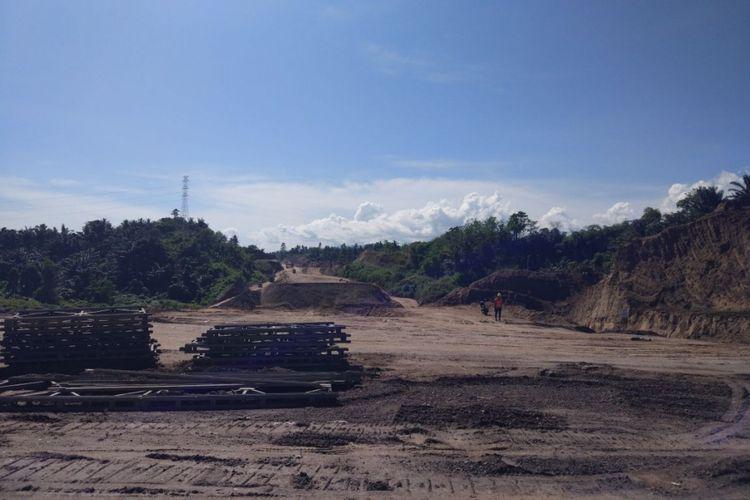 Tol Manado-Bitung dirancang sepanjang 39 kilometer. Seksi I sepanjang 7 kilometer merupakan bagian yang dikerjakan Sino Road and Bridge Co Ltd dan PT Hutama Karya (persero).