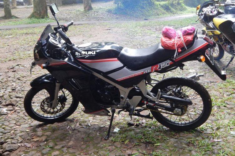 Suzuki RGR edisi tahun 1992 milik seorang warga Bogor, Robby Chow.