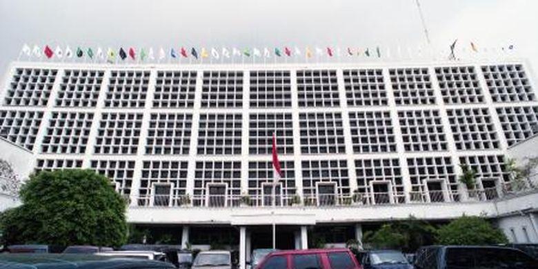 Bagian depan Gedung Komisi Pemilihan Umum (KPU) di Jalan Imam Bonjol, Jakarta.