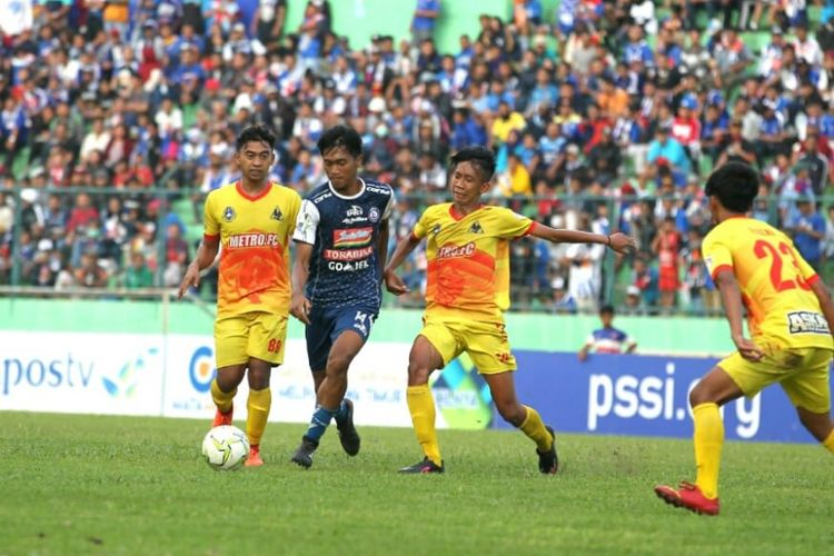 Laga Persekam Metro FC Vs Arema FC yang menjadi pembuka babak 64 besar Piala Indonesia musim 2018/19, Selasa (20/11/2018). Laga yang berlangsung di Stadion Gajayana, Malang itu dimenangkan Arema dengan skor 5-1.