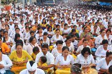 Prayascita Gumi, Upacara Bersih Bumi Ribuan Umat Hindu di Lombok