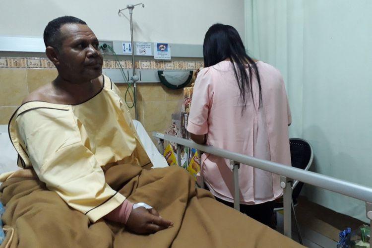 Yesaya Bayang dirawat di RSAL dr Ramelan Surabaya