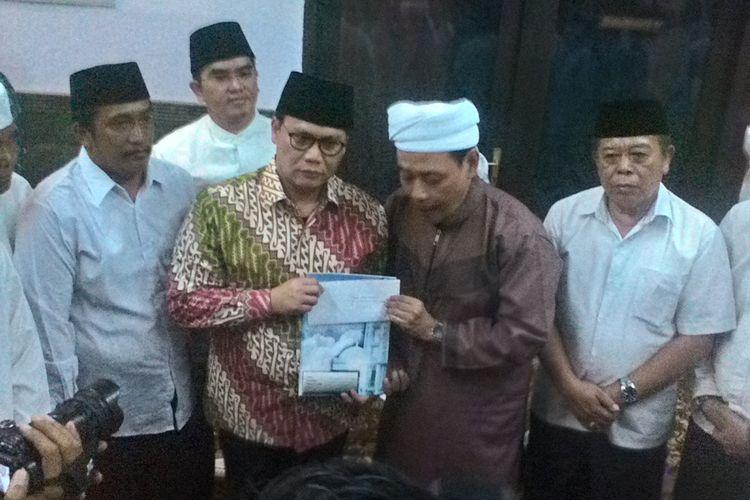 Kiai Mutawakkil menitipkan surat untuk Megawati melalui Ahmad Basarah.