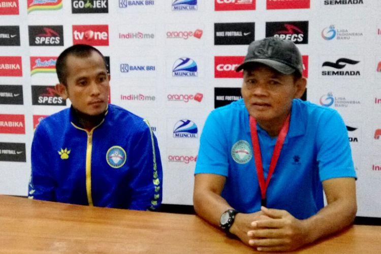 Pelatih Martapura FC Hartono Ruslan saat jumpa pers seusai laga melawan PSS Sleman di Stadion Maguwoharjo.
