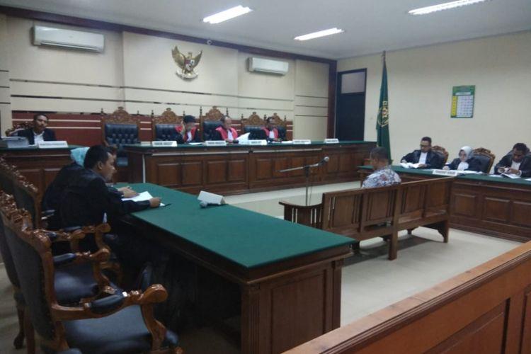 Sidang perdana perkara tindak pidana korupsi mantan Bupati Mojokerto