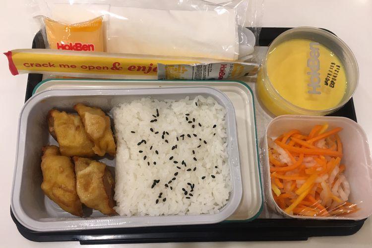 Egg Chicken Roll, salah satu menu makanan baru dalam penerbangan Garuda Indonesia kolaborasi dengan Hokben, Kamis (29/11/2018).