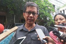 Rocky Gerung Mengaku Terima Foto Wajah Lebam dari Ratna Sarumpaet
