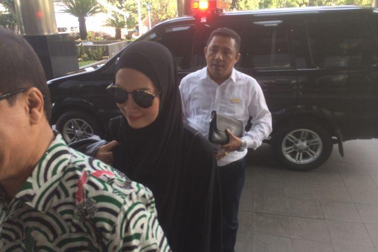 Salah satu yang akan diperiksa pada Rabu (18/7/2018) adalah Steffy Burase(Reza Jurnaliston)