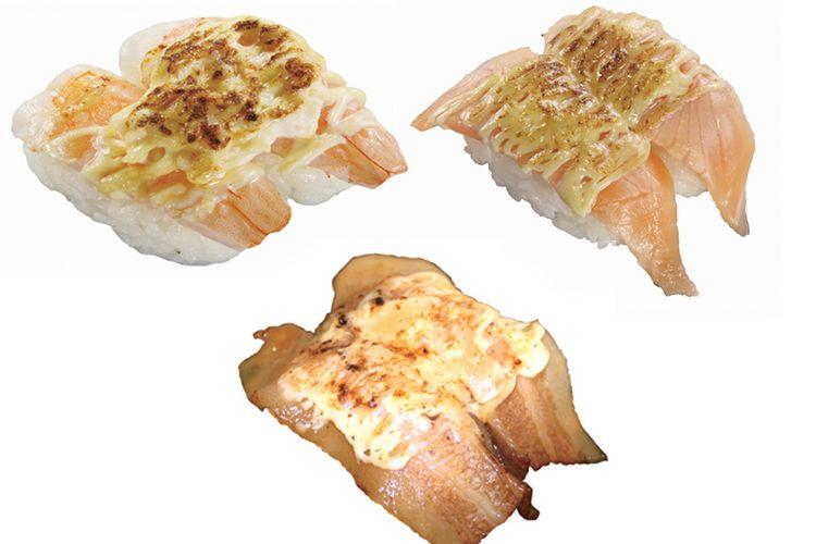 Berbagai menu dengan topping keju yang dihidangkan di atas sushi Kalbi, Salmon, Udang