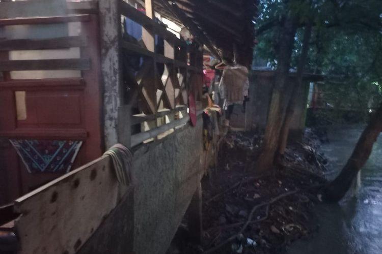 Salah satu rumah panggung di kawasan Cipinang Melayu, Jakarta Timur pada Rabu 16 Juni 2021