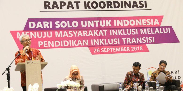 Deputi Pemenuhan Hak dan Perlindungan Anak Marwan Syaukani menjadi salah satu narasumberdalam Rapat Koordinasi Dari Solo Untuk Indonesia Menuju Masyarakat Inklusi Melalui Pendidikan Inklusi Transisi di Hotel Alila, Solo, Rabu (26/9/2018)