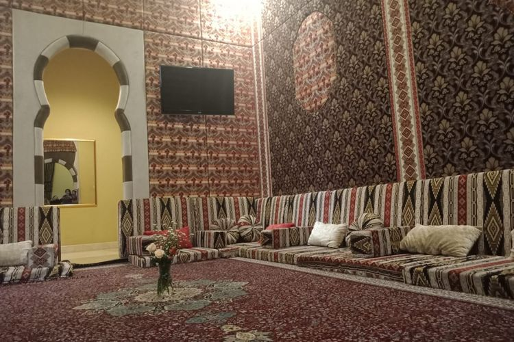 Ruangan-ruangan di Resto Al Jazeera Polonia, Jakarta Timur, Jakarta, Kamis, (13/9/2018).