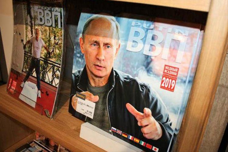 Di beberapa toko kalender Presiden Putin pun terjual habis