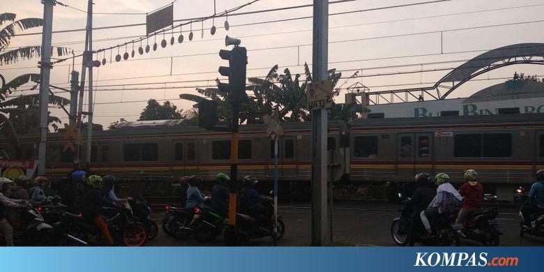 Palang Pelintasan Kereta di Bintaro Rusak, Mobil Nyaris Tertabrak