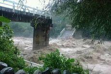 Dua Jembatan Ambruk Akibat Banjir dan Longsor di Pekalongan