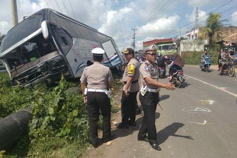 Sopir Diduga Mengantuk, Tabrakan Innova Vs Bus di Banyuasin Tewaskan 7 Orang