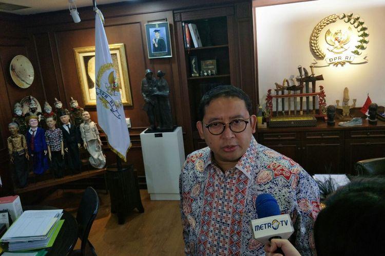 Wakil Ketua DPR Fadli Zon di ruang kerjanya di Kompleks Parlemen, Senayan, Selasa (26/2/2019).