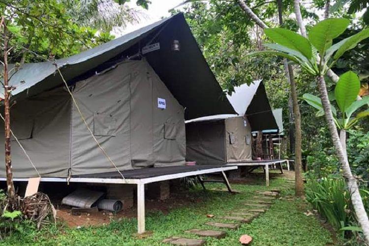 Glamping Gunung Geulis Campsite di Bogor, Jawa Barat.