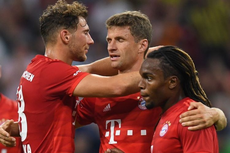 Leon Goretzka, Thomas Mueller, Renato Sanches merayakan gol Bayern Muenchen pada laga Bayern vs Fenerbahce dalam semifinal Audi Cup 2019 di Allianz Arena, 30 Juli 2019.