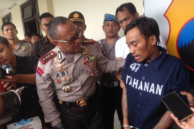 Pelaku pembunuhan ibu rumah tangga di Semarang, Senin (5/3/2018).