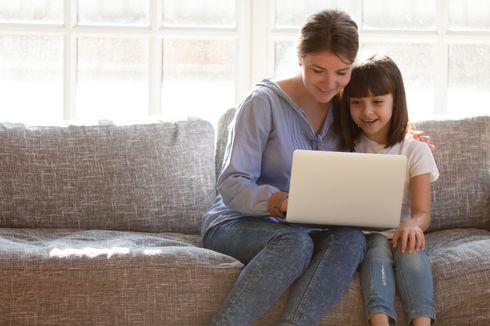Jangan Cuma Melarang Anak Main Gawai, Orangtua Harus Melek Teknologi