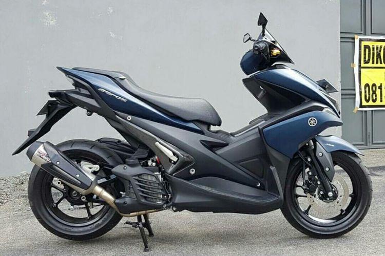 Sebuah Yamaha Aerox yang sudah dimodifikasi menjadi monoshock