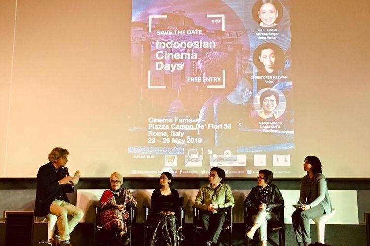 Suasana diskusi dalam pemutaran film Indonesia yang digelar di Roma, Italia.