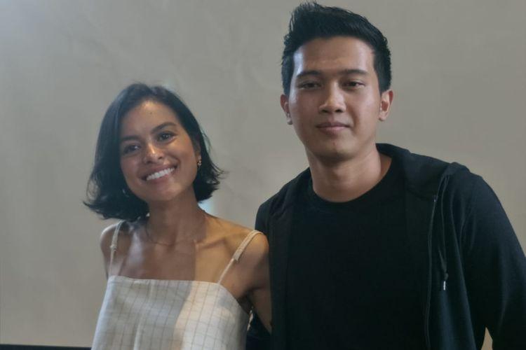 Eva Celia dan Demas Narawangsa saat ditemui dalam jumpa pers peluncuran Kala Senja di kawasan Kemang, Jakarta Selatan, Kamis (11/4/2019)