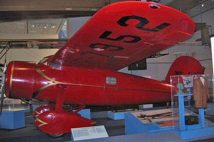 Pesawat Lockheed Vega 5B yang diterbangkan Amelia Earhart melintasi Samudera Atlantik dipajang di Museum Penerbangan dan Luar Angkasa di Washington DC, AS.