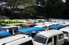 """Desak Penerapan Aturan Angkutan """"Online"""", Ribuan Sopir Angkot Demo dan Mogok Kerja"""