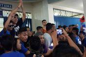 Pelatih Arema FC Bangga Aremania Mendukung dari Luar Stadion