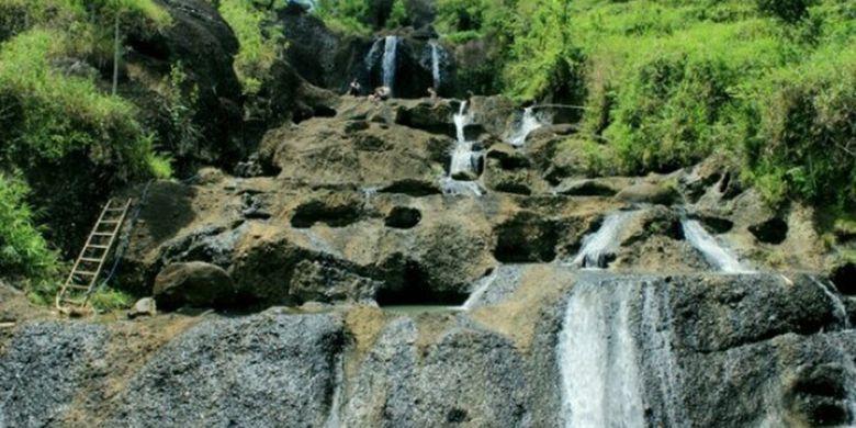 Kedung Kandang, begitu nama sungai sekaligus air terjun yang terletak di Gunung Botak, Nglanggeran, Pathuk, Kabupaten Gunungkidul, DI Yogyakarta