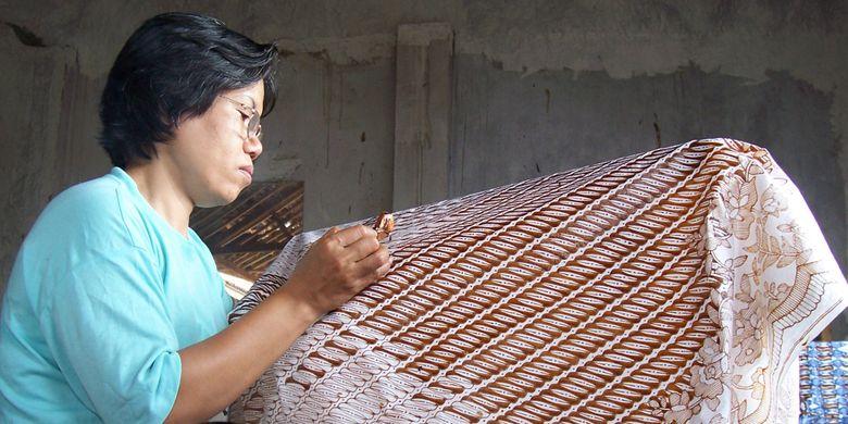 Ilustrasi: pembuatan batik Garut