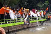 Posisinya di Belakang Permukiman, Kali Surabaya Terancam Jadi Tempat Pembuangan Sampah