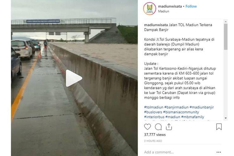 Viral, Sejumlah Video Banjir Menerjang Jalan Tol Madiun, Tol Ngawi-Kertosono Ditutup