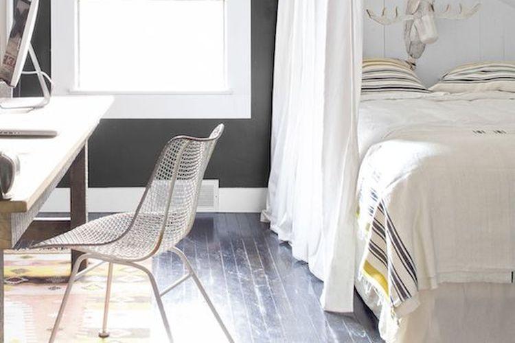 Selain perabot, ruangan di rumah berukuran kecil juga dapat dimanfaatkan untuk berbagai fungsi.