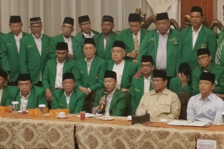 Ketua umum PPP hasil muktamar Jakarta Humphrey Djemat saat menyatakan dukungan di kediaman Prabowo, Jaalan Kertanegara, Jakarta Selatan, Rabu (28/11/2018) malam.