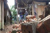 Tanah Amblas 50 Cm, Warga Mamasa Mengungsi dan Bongkar Paksa Rumahnya