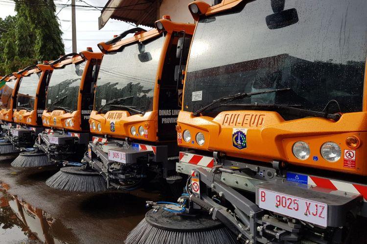 Mobil pembersih jalan merek Dulevo yang baru saja dibeli oleh Pemerintah Provinsi DKI. Dulevo merupakan kendaraan pembersih buatan Italia.
