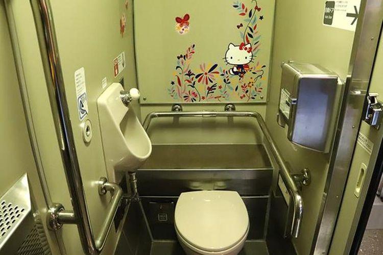 Desain Hello Kitty pada kamar mandi dan wastafel