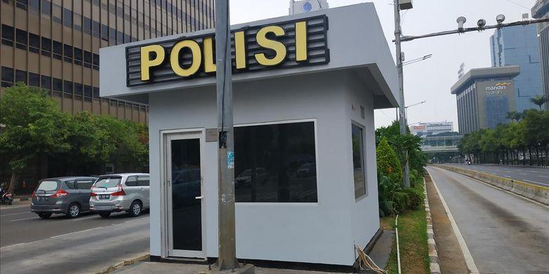Kondisi pos polisi di persimpangan jalan MH Thamrin, Jakarta Pusat depan gedung Djakarta Theatre telah diperbaiki usai dirusak massa rusuh pada 22 Mei 2019 silam.