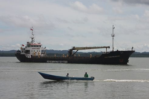 Asyik Curi Ikan di Perairan Indonesia, Dua Kapal Vietnam Diciduk Bakamla