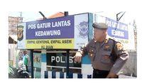 Cara Unik Polisi Atur Arus Mudik, dari Joget Dangdut hingga