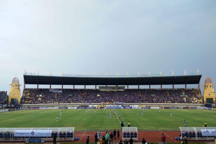 Pertandingan pertama babak 16 besar antara Persib Bandung dan Arema FC digelar di Stadion Si Jalak Harupat, Senin (18/2/2019).