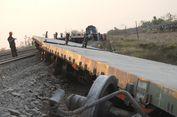 8 Gerbong Anjlok, PT KAI Terjunkan 75 Petugas untuk Evakuasi