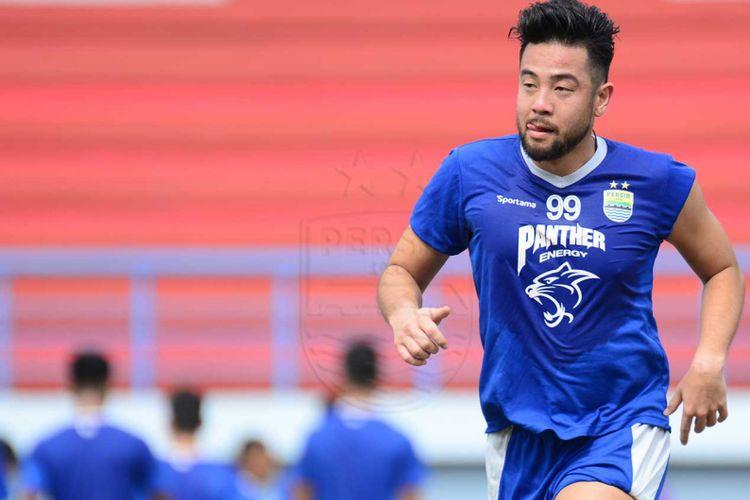 Pemain belakang Kunihiro Yamashita saat menjalani sesi latihan bersama Persib Bandung beberapa waktu lalu.