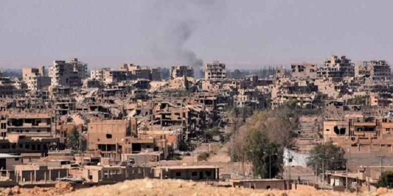 Kota Deir el-Zour, Suriah, telah hancur disebabkan perang saudara yang berlangsung lebih dari enam tahun.