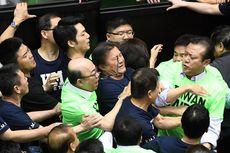 Bahas Pengurangan Uang Pensiun Tentara, Wakil Rakyat Taiwan Berkelahi